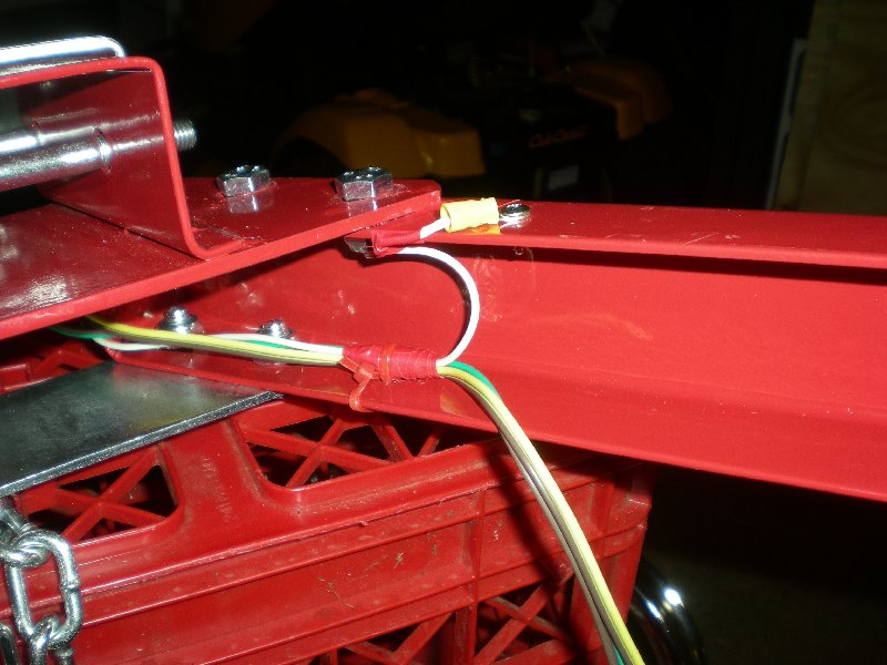 51 strain relief folding 4x8 flatbed assembly [pics] mytractorforum com the harbor freight trailer wiring harness at mifinder.co